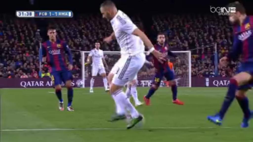 Benzema's slick backheel assist to Ronaldo.