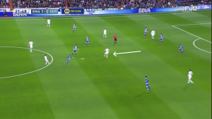 Benzema dropping into the midfield to connect the team